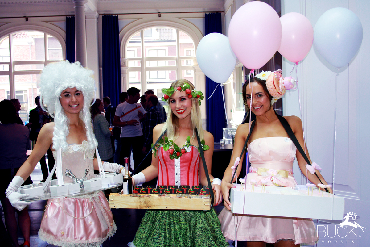 Hofdame-Amusering-Aardbeienmeisje-Biomeisje-Cupcake-Girl-Macaronemeisje-Culinair-Food-Entertainment-Buck-Models