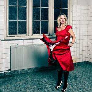 Rode-jurk-Caroline-Westdijk