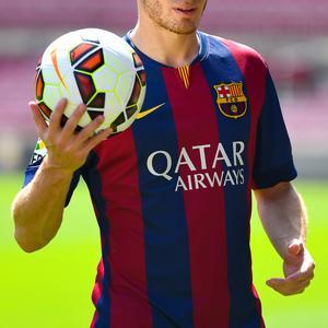 FC Barcelona Unveil New Signing Thomas Vermaelen