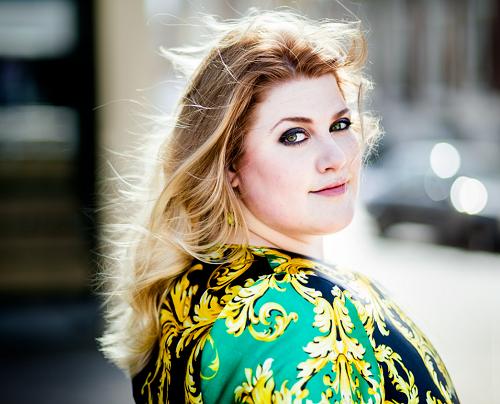 Esmee van Kampen Nude Photos 15