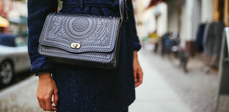 ae228e2eb35 Met deze app kun je zien of je designertas echt is - V!VA - Niets te ...