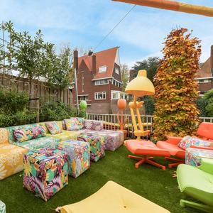 Tuin kleurrijk huis Amsterdam 5 miljoen euro
