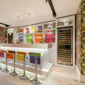 Bar kleurrijk huis Amsterdam 5 miljoen euro