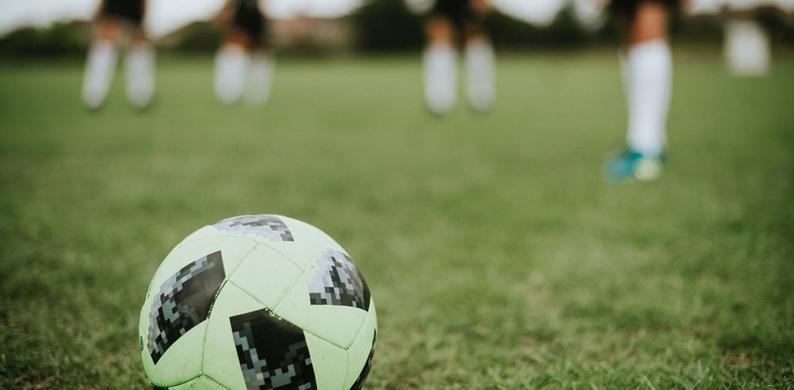 vrouwelijke voetballers betaald