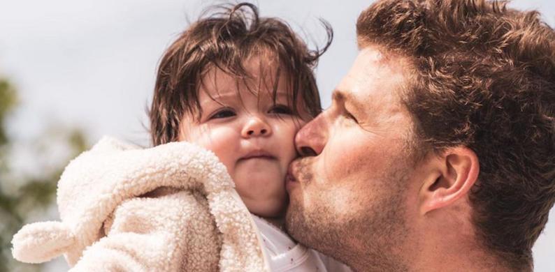 Sven Kramer met dochtertje